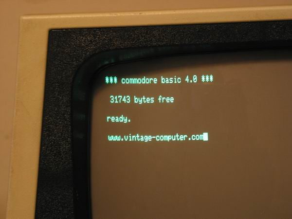 The Commodore Pet 8032 screen close up